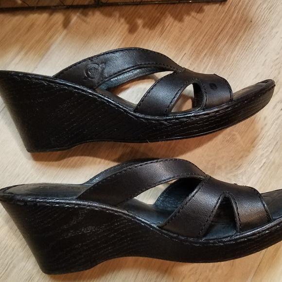 71ed050a1100d NWOT Born Leather Slides